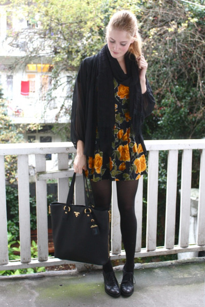 black brogues bagatt shoes - light orange floral vintage dress
