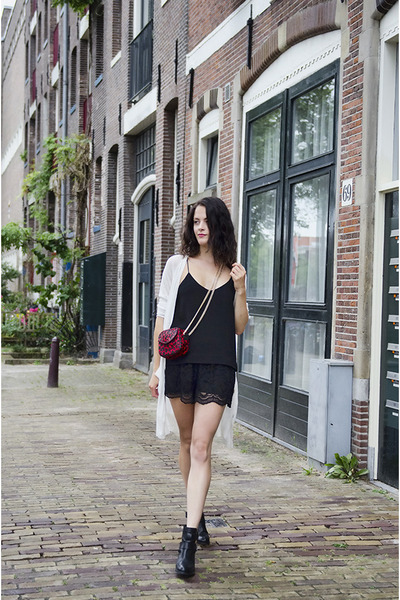 red leopard Reiss bag - black lace Topshop shorts - black cami H&M Trend top