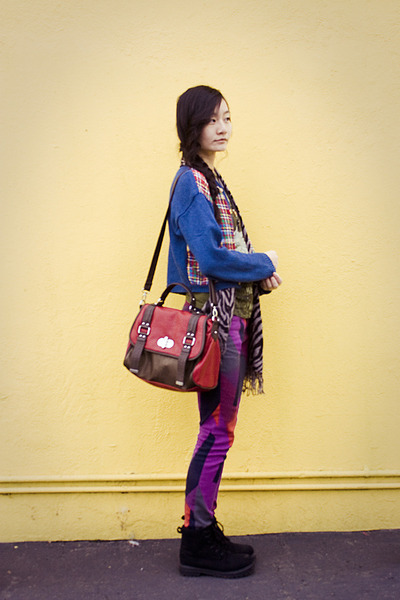 black fila boots - purple abstract skinny Urban Outfitters jeans
