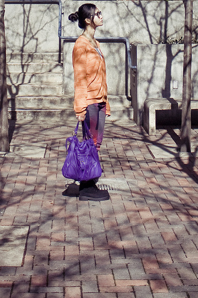 purple leather sling t-shirt & jeans bag - black suede boots fila boots