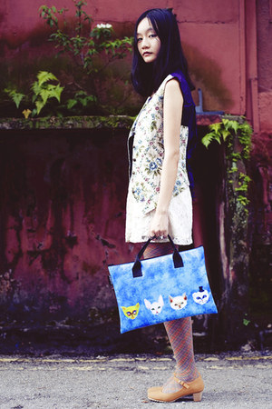 blue bag - blue snupped bag