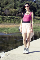 hot pink metal bow La Marelle necklace - white classic 1460 Dr Martens boots