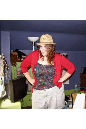 torrid top - red torrid cardigan - green Old Navy shorts - Suzy Shir shoes - aso