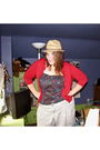 Torrid-top-red-torrid-cardigan-green-old-navy-shorts-suzy-shir-shoes-aso