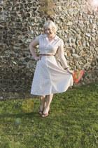 beige vintage dress - heels - brown belt H&M belt