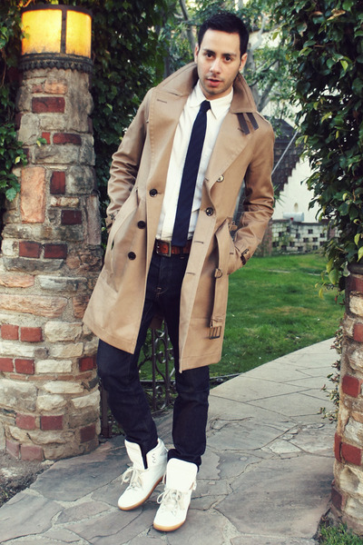 camel trench Burberry coat - navy H&amp;M jeans - white Gap shirt
