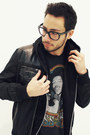 Gray-levis-jeans-charcoal-gray-aldo-boots-black-twenty-one-men-jacket
