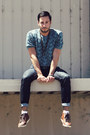 Dark-brown-h-m-shoes-navy-hot-topic-jeans-teal-topman-shirt