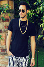 Gold-diy-necklace-hanes-shirt-aviator-ray-ban-sunglasses