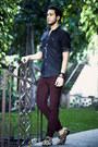 Camel-penelope-and-coco-shoes-navy-h-m-shirt-crimson-levis-pants