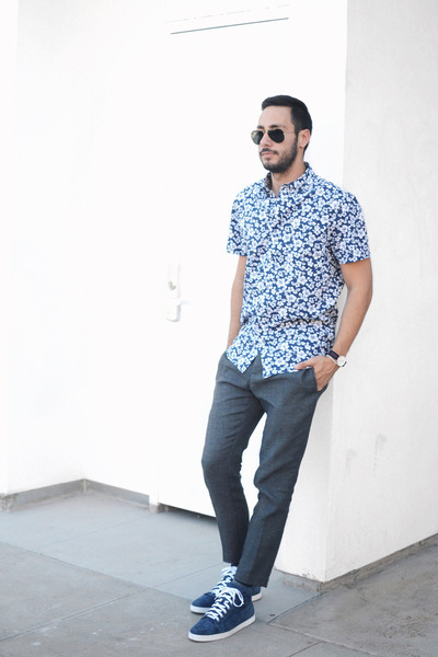 Navy-slate-stone-shirt-black-ray-ban-sunglasses