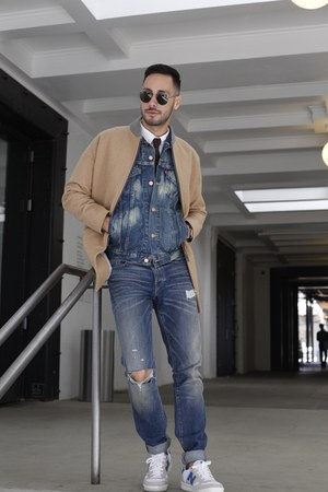 blue Eight Field of Freedom jeans - tan Lacoste coat