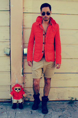 Zara jacket - Kenneth Cole boots - H&amp;M shorts - aviators ray-ban sunglasses