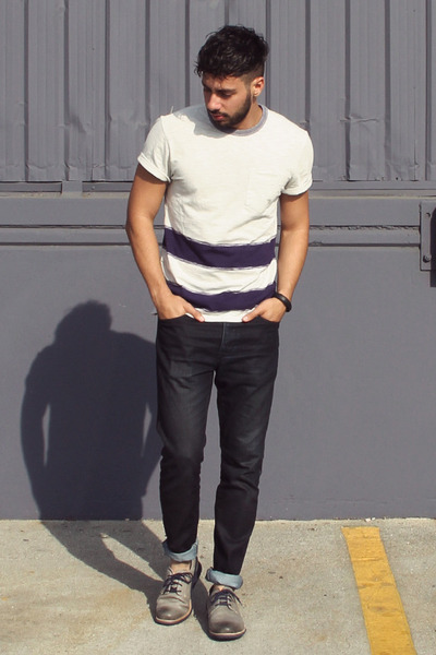 charcoal gray tsubo shoes - navy Hot Topic jeans - deep purple Levis shirt