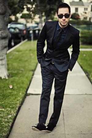 black Zara suit - black AntoineStanley shoes - navy H&M shirt