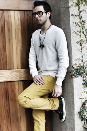 mustard corduroy Club Monaco pants - navy Vans shoes
