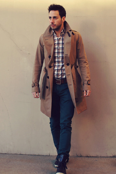 dab95e0b11 tan trench Burberry coat - teal Zara jeans - plaid Hugh   Crye shirt