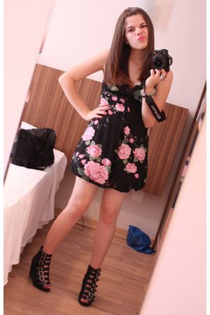 black shoes - pink Renner dress