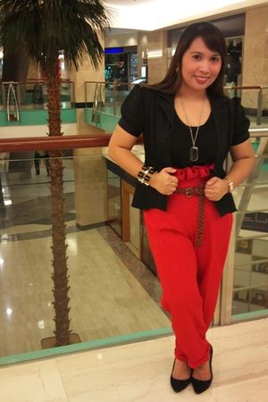 random brand blouse - tailored pants - Vincci shoes