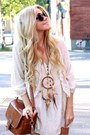Off-white-vest-brown-necklace