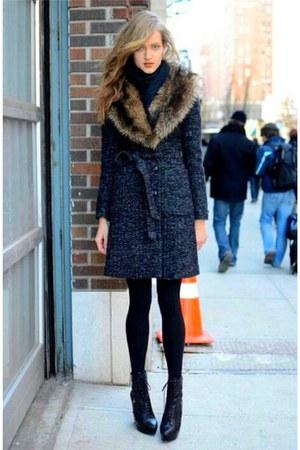 charcoal gray faux fur collar tweed coat