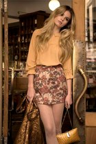 beige floral skirt - gold coat - gold bag - nude blouse