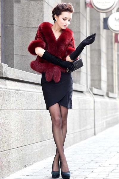 black dress - black tights - crimson Faux fur cape - black pumps - black glasses