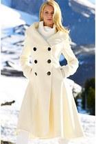 eggshell coat