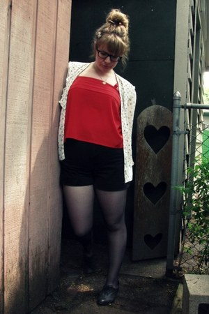 big buddha shoes - vintage shorts - vintage top - vintage blouse