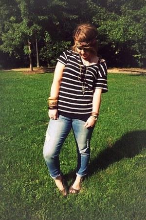 Forever 21 scarf - Forever21 jeans - Forever 21 t-shirt - Crocs flats