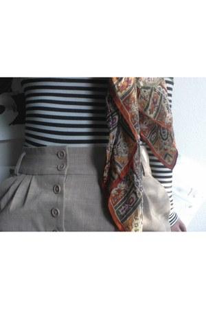 vintage Oscar de la Renta scarf - American Apparel bodysuit - vintage skirt