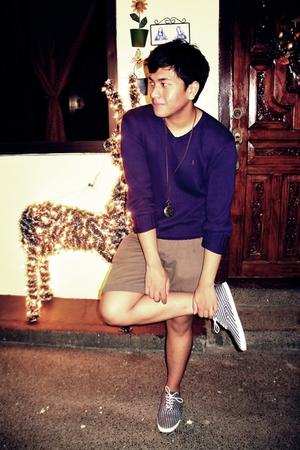 blue Ralph Lauren sweater - brown zoo york shorts - blue Zara shoes - gold Folde