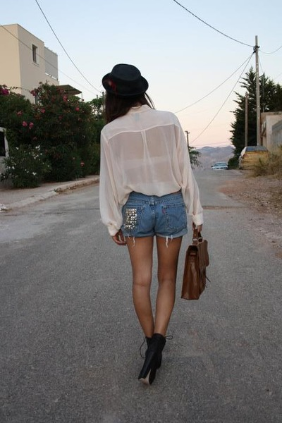 sheer hnm shirt - platforms Urban Outfitters boots