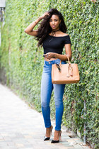 black crop top Zara top - blue legging Express jeans