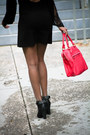 Black-blue-life-dress-black-joes-jeans-boots-hot-pink-navoh-bag