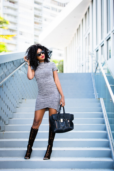 ribbed knit Mink Pink dress - black cutout Via Spiga boots