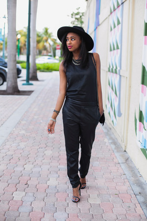 fedora Bebe hat - Express bag - AG Jeans jumper - Yves Saint Laurent heels