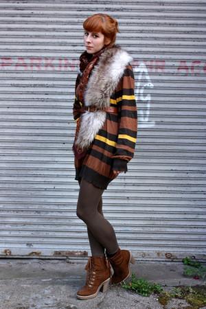 brown Deichmann boots - brown thrifted sweater