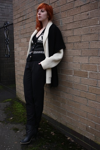 cream wool thrifted cardigan - black new look cardigan - black Zara pants