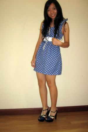blue dress - blue shoes