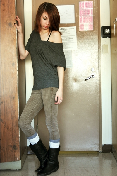 sweater - jeans - socks - boots