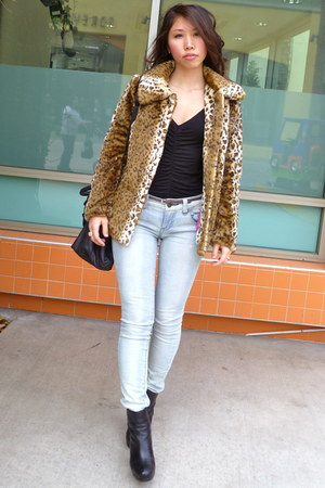 light blue London Bridge jeans - faux fur f21 jacket - black H&M shirt - Steve M