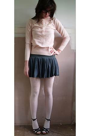 pink sweater - gray skirt