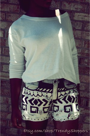 Its a one of a kind shorts - loosecrop top Old Navy top