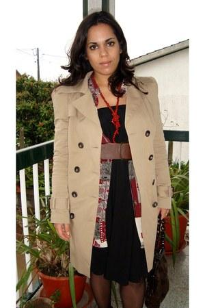 camel Zara coat - black thrifted vintage skirt - crimson thrifted vintage blouse