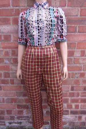 quirky blouse - funky pants
