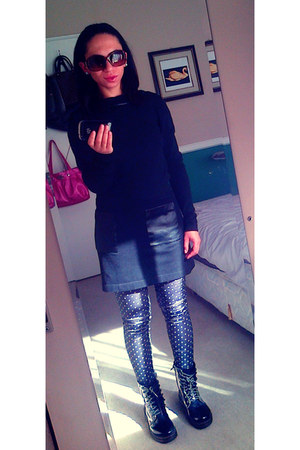 black doc martens boots - black Zara sweater - blue Topshop leggings