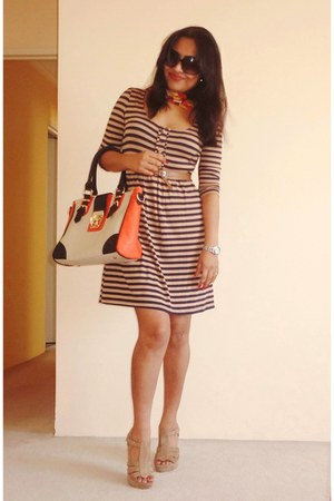 coach bag - Ralph Lauren dress - D&G sunglasses - Charles & Keith wedges