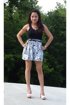 Hanes shirt - Forever21 belt - RizeesPieces skirt - Kors by Michael Kors shoes