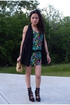 Forever21 - Wet Seal vest - Forever21 belt - Forever21 purse - alloy boots